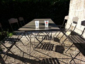 Table camping 300x225 Table camping
