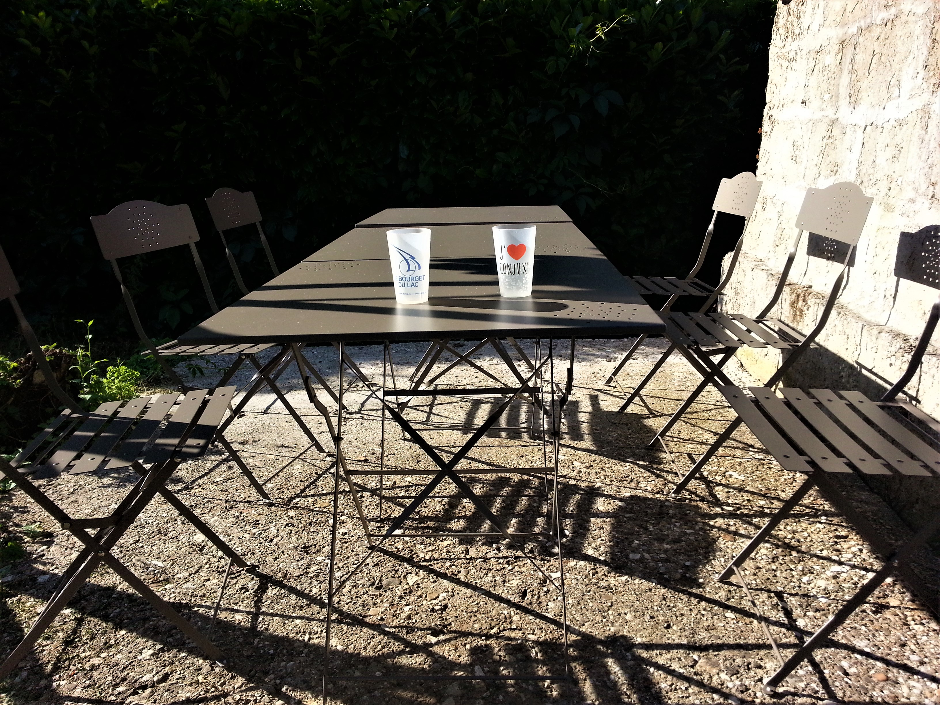 Table camping Camping chez lhabitant / Savoie